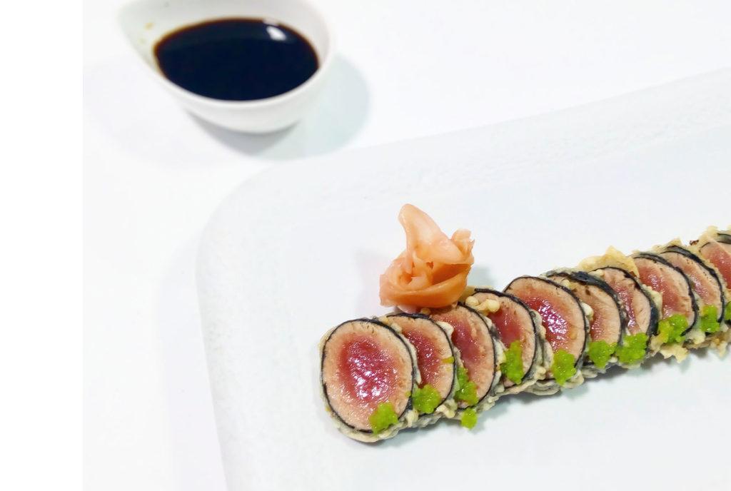 Tataki de atún en tempura con wasabi de Restaurante Balandro
