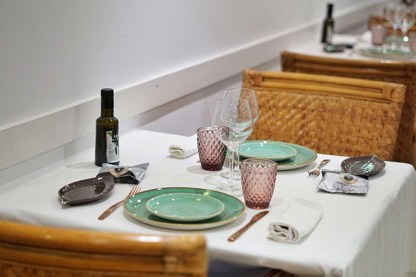 Montaje de mesa en Salón Apodaca - Restaurante Balandro