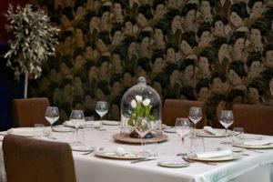 Detalle de Mesa de grupo en Salón Alameda de Restaurante Balandro