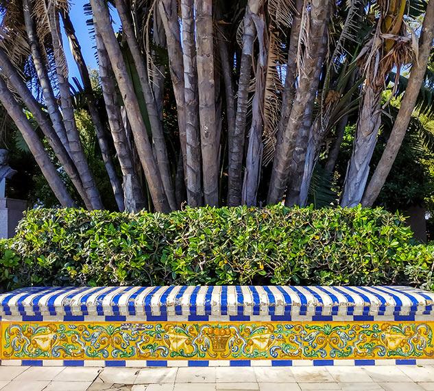 Banco de Azulejos en Alameda Apodaca
